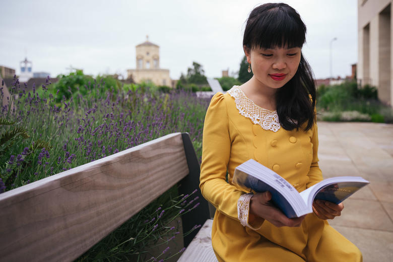 4outdoor reading3